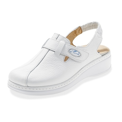 Nursing Shoes in White Leather with Heel Strap in Size 35